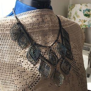 Jewelry - Wire artistic bib necklace